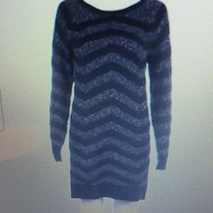 HINGE KNIT SWEATER IN STRIPED BLACK & GRAY